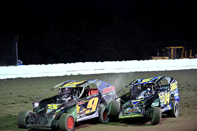 Bentley Gray (9S) wins over DJ Gonyo (04) in the Crossroads Tobacco Sportsman Modifieds A Main